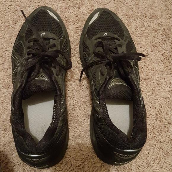 asics road running shoes men